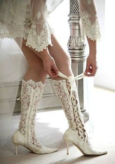 I like these for a simple country wedding. Lindsay, you would look amazing in these for your wedding.... ugg Cyber Monday View More: www.yi5.org