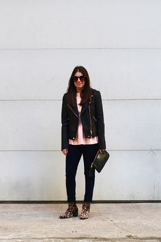 A CUTE & CASUAL VALENTINE'S DAY LOOK Edgy Chic, Girl Blog, Gold Coast, Valentines Day, Black Jeans, Normcore, Sexy, Casual, Cute