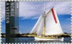 Sail boat & Lyngor lighthouse
