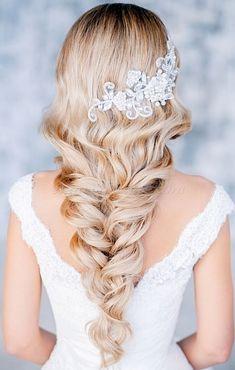 esküvői+frizurák+hosszú+hajból+-+esküvői+frizura+hosszú+hajból