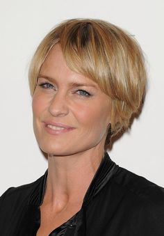 Layered Short Choppy Razor Cut for Mature Lady – Robin Wright Penn Hairstyles | Hairstyles Weekly
