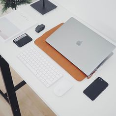 Leather MacBook sleeves available from ultralinxstore.com. Link in bio. @ulxstore
