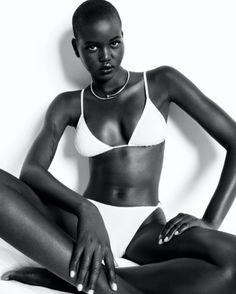 Live Model, Model Test, V Magazine, Fashion Poses, Black Women Fashion, Black Models, Beautiful Black Women, Bikini Models, Queen