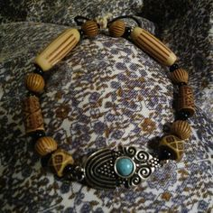 Beautifully handcrafted bracelet---->
