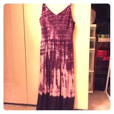 Purple Tie-died Summer Dress Spaghetti strapped, knee-length, very light and comfy. No rips or stains! Bought from Plato's Closet awhile back and just never used it. Should fit a XS or Small. 2nd Skin Dresses Midi