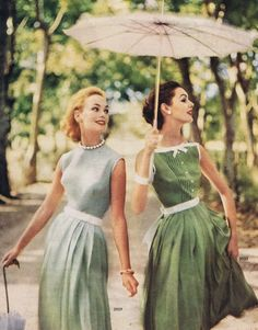 Elegantly lovely solidly hued summer frocks, 1950s. #vintage #fifties #fashion