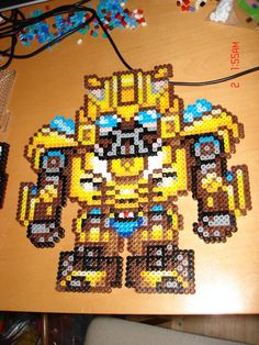 bumblebee perler hama by Silvermist5 omgee so making this an accompanying 3d cuff for alonzo!!!