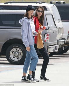 Chic wear: Daring to impress, the catwalk princess rocked a white crop tee under a chic grey Shadow Hill hoodie Black Converse Style, Black Converse Outfits, Cool Outfits, Casual Outfits, Fashion Outfits, Girl Fashion, Kaia Gerber, Black High Tops, Celebrity Outfits
