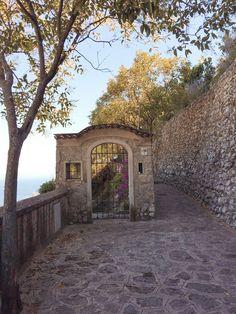 Why You Can't Skip Ravello on the Amalfi Coast – Aloha & Arrivederci