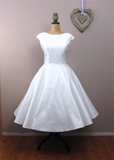 Lola-Rose Tea length wedding dress. £500.00, via Etsy.