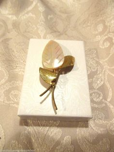 Fashion Jewelery Mother of Pearl Leaf Pin or Brooch Goldtone Vintage #Unbranded