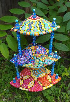 Hand painted OOAK abstract three shelf end table via Etsy Whimsical Painted Furniture, Hand Painted Furniture, Funky Furniture, Paint Furniture, Furniture Projects, Furniture Makeover, Diy Craft Projects, Decor Crafts, Folding Chair Makeover