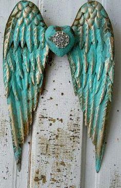 Metal angel wings distressed aqua Caribbean blue gold w/ rhinestone heart shabby cottage chic wall hanging home decor anita spero design Shabby Chic Living Room, Shabby Chic Cottage, Shabby Chic Decor, Cottage Style, Shabby Chic Wallpaper, Wing Wall, Angel Wings Wall, Blue Gold, Aqua Blue