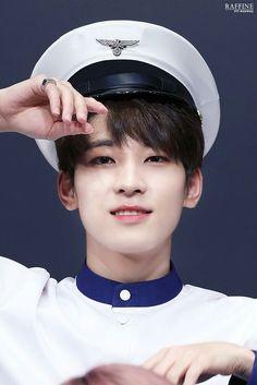 Wonwoo #seventeen #carat Woozi, Jeonghan, Rapper, Hip Hop, Captain My Captain, Seventeen Wonwoo, Adore U, Best Kpop, Meanie