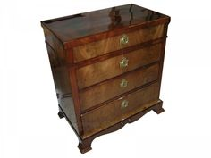 my work after renovation, mahogany chest of drawers (Schellack polish)