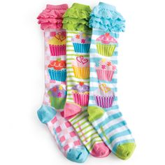 omw! silly socks with cupcakes?!?! sign me up!!!!