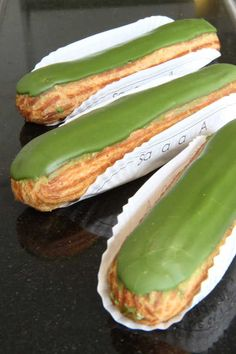 Excellent matcha green tea eclairs, found at a little Franco-Japanese patisserie called Sadaharu Aoki in Paris - must learn to make this //Manbo Matcha Dessert, Matcha Cake, Eclairs, Delicious Desserts, Dessert Recipes, Yummy Food, Healthy Food, Pasta Choux, Green Tea Recipes