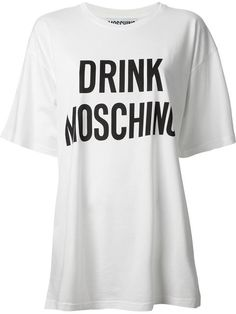 Compre Moschino Camiseta com estampa em Divo from the world's best independent boutiques at farfetch.com. Over 1000 designers from 300 boutiques in one website.