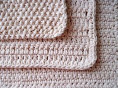 SEED STITCH DISHCLOTH :: US 8/5.0 mm needles Cast on 40 stitches. Work in seed stitch (knit 1, purl 1, knit 1) until your work forms a perfect square. Cut yarn, leaving a long tail, and knot off. Weave in loose yarn ends.