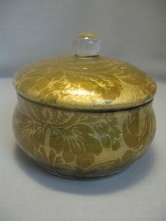 Candy Trinket Keepsake Box Gold Material Leaves Flowers Design Sealed Lacquer