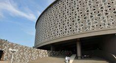 Wisata Tsunami – Aceh Tourism http://acehtourism.info/id/museum-tsunami-aceh/