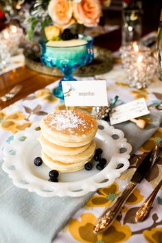 Omg you should have pancakes at your wedding :D Wedding Brunch Reception, Reception Ideas, Pancake Cake, White Centerpiece, Breakfast Pancakes, Wedding Sets, Yummy Treats, Mustard, Wedding Decorations