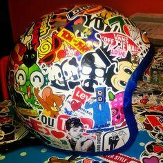 Biltwell helmet stickerbomb Breaking Dawn,Tom & Jerry,Audrey Hepburn, Youtube,FedEx,Levis,Vans,7Up,...
