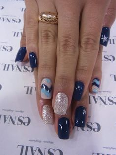 §Navy Chevron Nail