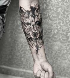 Pin od patryk na tatuaż wölfe tattoo, tattoo ideen i tattoo Wolf Tattoo Forearm, Wolf Tattoo Sleeve, Fox Tattoo, Sleeve Tattoos, Wrist Tattoo, Wolf Tattoos Men, Animal Tattoos, Tattoos For Guys, Bild Tattoos