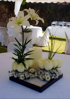 Centerpieces with roses and lilies Floral Centerpieces, Table Centerpieces, Wedding Centerpieces, Wedding Table, Wedding Decorations, Table Decorations, Ikebana, Table Arrangements, Floral Arrangements
