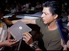 WATCH Shahrukh Khan at Bigg Boss 9 Studio - BEHIND THE SCENES. See the full video at : https://youtu.be/SOyccn8wYJA #shahrukhkhan #biggboss9