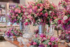 Decoração da mesa de casamento em tons de rosa - Casamento tradicional de conto de fadas