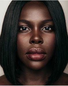 Beautiful Dark Skinned Women, Beautiful Black Girl, Beautiful Lips, Beautiful Women, African American Makeup, African Beauty, African Women, Dark Skin Models, Dark Skin Beauty