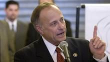 "Rep. Steve King: 'We Must Defend This Constitution' ------------------------------------------------- ""President Obama ""doesn't have the constitutional authority to tell Congress what to do,"" Rep. Steve King (R-Iowa) told CNN's Jake Tapper on Wednesday."