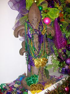 Mardi Gras Party: Party Beads