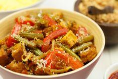 Sajoer tumis tahoe (Indisch groentegerecht) - Erik's Asia | SmaakMenutie Asian Recipes, Ethnic Recipes, Indonesian Food, Health Foods, No Cook Meals, Tofu, Thai Red Curry, Casseroles, Tapas