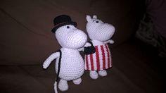 Moominmamma and moominpappa Moomin, Dinosaur Stuffed Animal, Toys, Crochet, Animals, Amigurumi, Activity Toys, Animales, Animaux