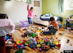 8 Ways to Teach Your Kids to Clean up