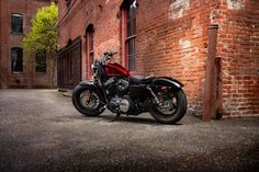 With a fat front tire and steel peanut tank, this low-slung urban brawler is ready to rip through any scene. | Harley-Davidson Forty-Eight.