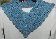 Scaldacollo ad anello azzurro in misto lana