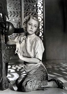 Female Actresses, Actors & Actresses, Marilyn Monroe Gif, Sound Film, Mary Pickford, Celebrity Biographies, Scream Queens, Fantasy Characters, Fictional Characters