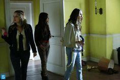 Pretty Little Liars Season 4 Ep 16 Close Encounters