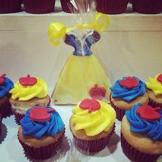 Blanca nieves cupcakes!