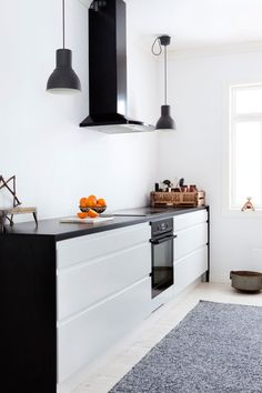 Inspiration for the use of Dekton Ananké or Domoos benchtop & Albedor White Gloss cabinetry