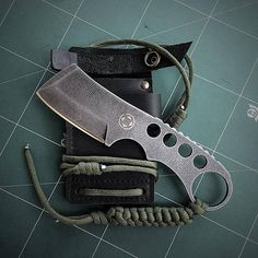 Cool Knives, Knives And Tools, Knives And Swords, Forging Knives, Tactical Knives, Zombie Survival Gear, Knife Throwing, Beil, Knife Making Tools