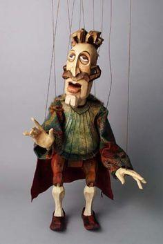 Puppet by Michaela Bartonova (Design) and Antonin Muller (Carve)