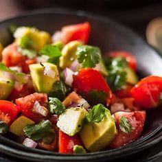 Poco Loco Guacamole Dip sos ile Avocado salatanızın lezzetine lezzet katabilirsiniz.   Dünya mutfağının farklı sos çeşitleri için www.nefisgurme.com'u ziyaret edebilirsiniz.  #nefisgurme #nefis #nefistarifler #leziz #lezzet #lezizsunumlar #gurme #gurmelezzetler #ayvazsef #ayvazakbacak #bimutfakikisef #ozlemmekik #istanbuldayasam #istanbulbloggers #unlusef #blogger #yemek #food #foodgasm #foodporn #foodstagram #bonapetit #guacamole #avocadosauce #pocoloco #dünyamutfağı
