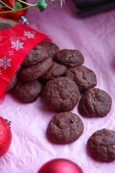 Suklaapossu: Maapähkinäiset pehmeät suklaakeksit ❤