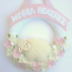 Guirlanda Urso Baby no Elo7 | Brazilian Gift (33863E) Baby Shawer, Baby Love, Felt Garland, Baby Shop, Sheep, Projects To Try, Shabby Chic, Birthday, Floral