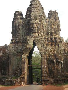 Anghor Thom. Porte du Sud